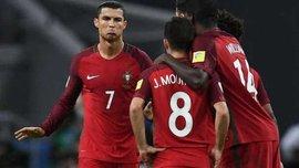 Звезды сборной Португалии устроили фантастический розыгрыш мяча за столом