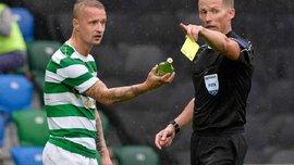 Суддя показав жовту картку нападнику Селтіка Гріффітсу, в якого кинули скляною пляшкою фанати Лінфілда