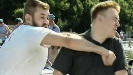 Мужчина, который ударил российского журналиста в прямом эфире, оказался активным фанатом ЦСКА