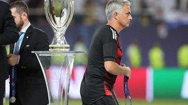 Моуринью отдал свою медаль за участие в Суперкубке УЕФА 2017 маленькому фанату Манчестер Юнайтед