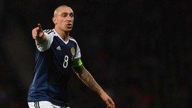 Защитник Мальты плюнул в капитана Шотландии Брауна во время матча