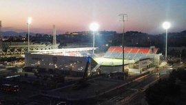 Футболисты Кальяри пивом отблагодарили людей, которые построили новый стадион за 4 месяца