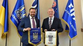 Голова Асоціації футболу Англії Грег Кларк відвідав Федерацію футболу України