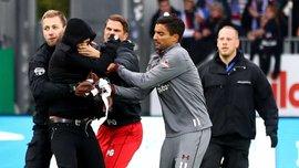 Во 2-й Бундеслиге футболисты Санкт-Паули вместе с полицией устроили охоту на хулиганов-фанатов