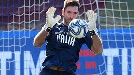 Буффон презентував нову форму збірної Італії