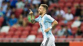Экс-хавбек Металлиста Алехандро Гомес исполнил смешной танец в самолете сборной Аргентины после победы над Эквадором