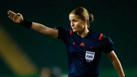 Штаубли станет первой женщиной-арбитром, которая будет судить матчи чемпионата мира U-17