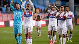 Депай поссорился из-за пенальти с экс-форвардом Реала Диасом в матче Труа – Лион