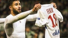 Болельщики Лиона поддержали дисквалифицированного Фекира, повторив его празднование гола в стиле Месси