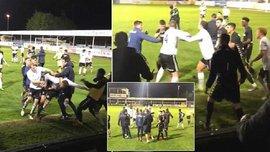 Матч в Англии был сорван из-за драки футболистов