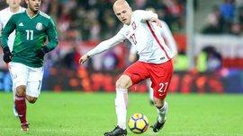 Полузащитник сборной Польши Кужава забил невероятный гол ударом с углового