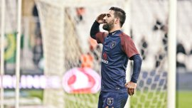 Туран забил роскошный гол в дебютном матче за Башакшехир