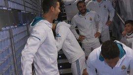 Роналду пошутил над Месси в разговоре со своим юным поклонником перед матчем против Депортиво