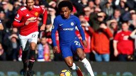 Манчестер Юнайтед – Челси: Виллиан забавно бегал за Матичем, чтобы прочитать записку от Моуринью