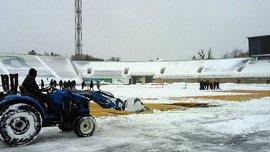 Майстер-клас для клубів УПЛ: як в Англії перетворили сніговий газон на зелений за 4 години