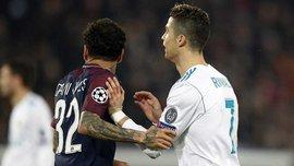 ПСЖ – Реал: Дани Алвес высморкался и вытер руку о футболку Роналду