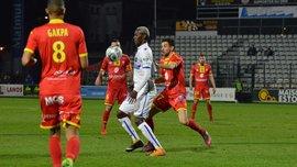 Двоє гравців Осера побилися під час матчу та залишили команду в меншості
