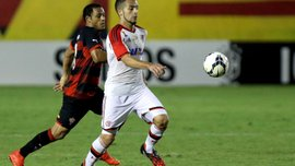 В Бразилии арбитр назначил пенальти и удалил футболиста за игру головой