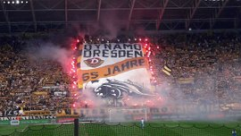 Поліція розслідує нацистські кричалки фанатів Динамо Дрезден