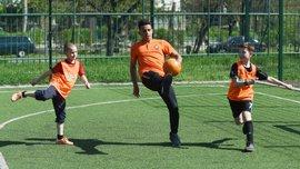 За ініціативи Шахтаря у Маріуполі відкрили новий футбольний майданчик