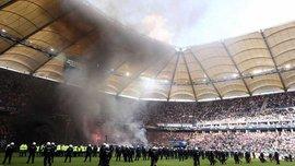 Фанаты Гамбурга устроили беспорядки после вылета команды из Бундеслиги