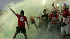 Фанати Ниви В вдягнули футболки зі свастикою