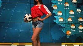 Чарівна сербська ведуча показала свої футбольні здібності