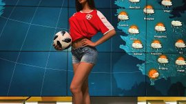 Очаровательная сербская ведущая показала свои футбольные способности