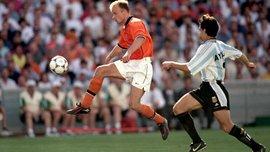 Ровно 20 лет назад забили один из самых красивых голов в истории ЧМ – Бергкамп шокировал Аргентину