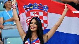 Топ-20 фото болельщиц и фанов 21-го дня ЧМ-2018: страстные хорватки и смешной швед в образе сказочной героини
