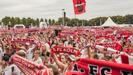 Клуб другої Бундесліги зібрав 50 тисяч уболівальників на презентації новачків