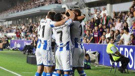 Реал Сосьєдад вдев'ятьох втримав перемогу над Уескою