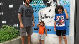 Прикол дня: Сын Марсело поиздевался над Гарри Невиллом во время гала-церемонии ФИФА