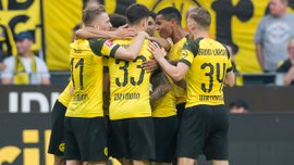 Боруссия Дортмунд в феерическом матче победила Аугсбург, Алькасер оформил хет-трик