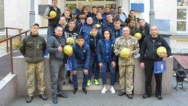Сборная Украины U-21 посетила военный госпиталь в Киеве