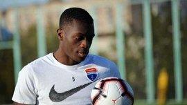 Защитник Мариуполя Дава дебютировал за сборную Камеруна
