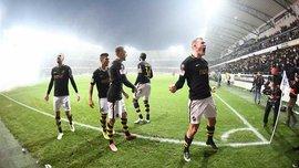 Фанаты АИКа вместе с футболистами устроили безумное празднование чемпионства – клуб 9 лет не мог одержать титул