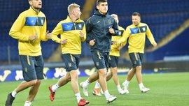 Пластун привітав Циганкова з Днем народження на тренуванні збірної України