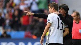 Лёв пообещал угостить Мюллера пивом за юбилейный матч в сборной Германии