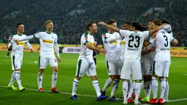 Борусія М розтрощила Ганновер та піднялась на друге місце: 12-й тур Бундесліги, матчі неділі