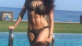 """""""Сексуальная и вкусная мама"""", – эффектная жена Ярмоленко опубликовала фото с """"пиратом"""" и получила бурную реакцию"""