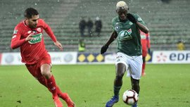 Неймар получил травму и покинул поле в матче Кубка Франции со Страсбуром, в котором ПСЖ одержал победу