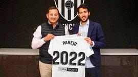 Валенсия продлила контракт с капитаном Парехо – Барселона хотела заменить им Иньесту