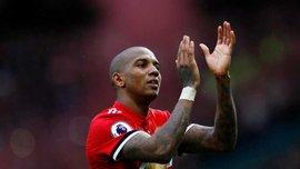 Янг и Эррера продлили контракты с Манчестер Юнайтед, – Sky Sports