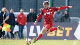 Блащиковски подписал контракт с Вислой и будет получать минимальную зарплату, которую отдаст в детские дома