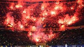 Фанаты Динамо Дрезден устроили невероятное файер-шоу – матч Бундеслиги 2 пришлось останавливать