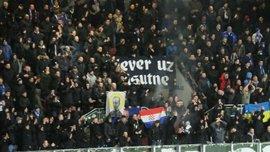Фанати Динамо Загреб вивісили український прапор на матчі з Вікторією Пльзень – фото дня