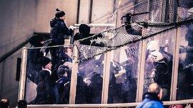 Троє вболівальників Динамо отримали травми після сутички з грецькою поліцією