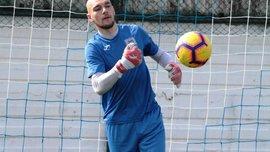 Голкиперу Николаева сломали челюсть во время матча – игрока забрала скорая прямо с поля