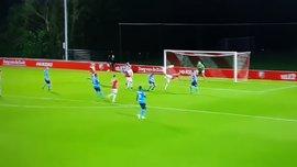 Гравець Утрехта забив гол геніальним  ударом скорпіона – відео неймовірного моменту